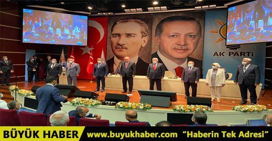 8 belediye başkanı daha AK Parti saflarına katıldı