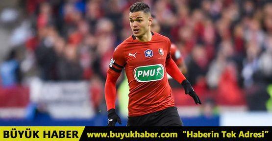 Bonservisi elinde olan ve Fenerbahçe'nin gündeminde olan Hatem Ben Arfa, eski kulübü Nice'e dönebilir
