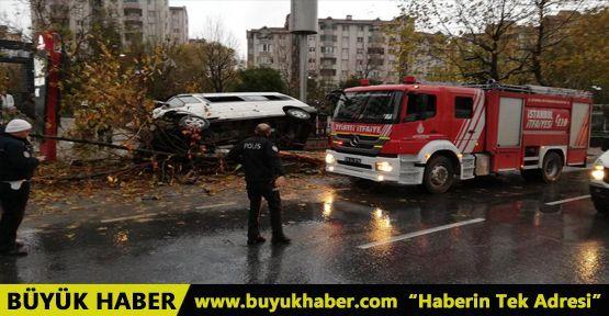 Esenyurt'ta servis minibüsü kaza yaptı: 2'si ağır 14 yaralı