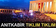 Anıtkabir'de binlerce kişi
