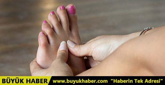 Topuklu ayakkabı giyen kadınlar bu hastalığa yakalanıyor!